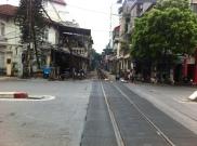 mit dem Zug durch Hanoi