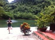 Meditation an einem der Tempel in Trang An